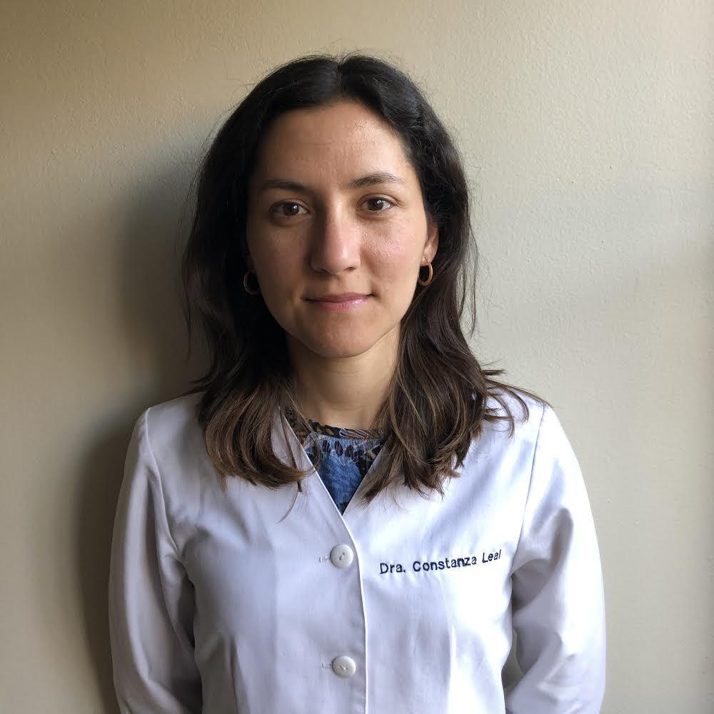 Dr. Constanza Leal